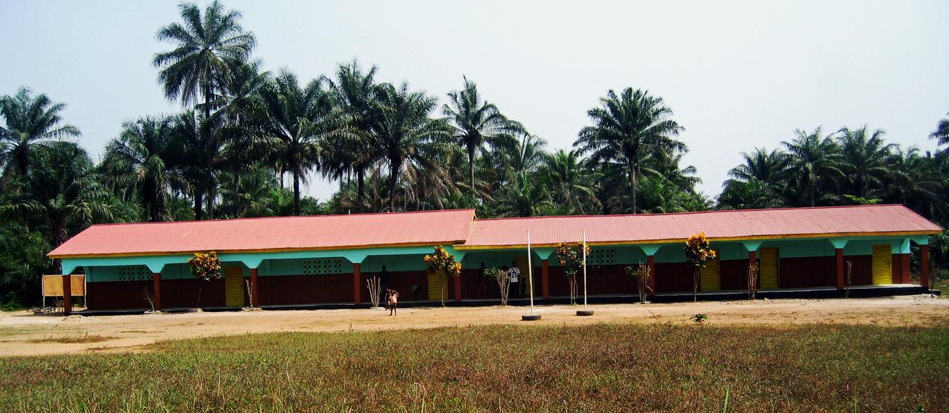 Schule in Forikolo, Sierra Leone. Wir nehmen Bildung in die Hand!